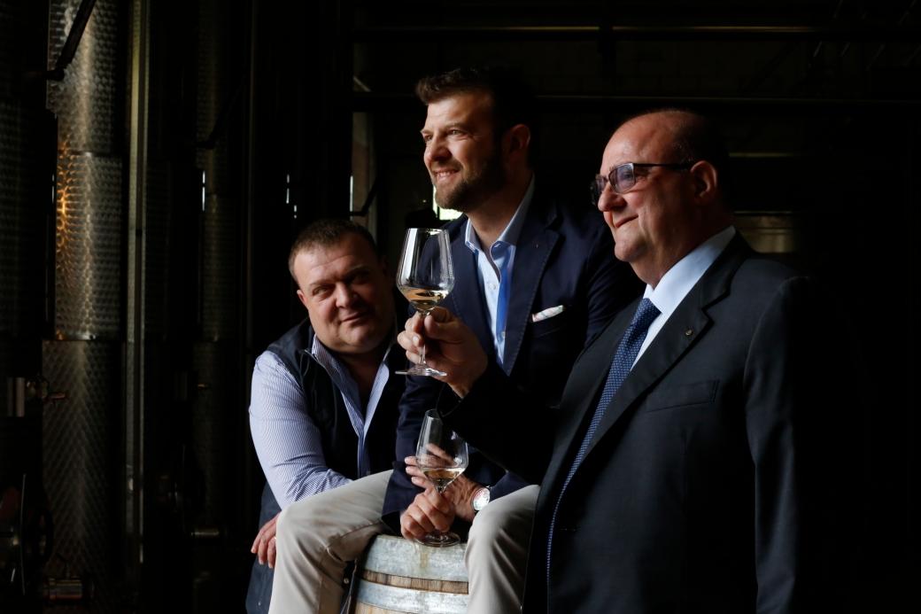 da sinistra Davide (enologo), Nicola (export manager) ed Enzo Lorenzon (presidente)